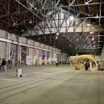 Paye ton hangar(t)!